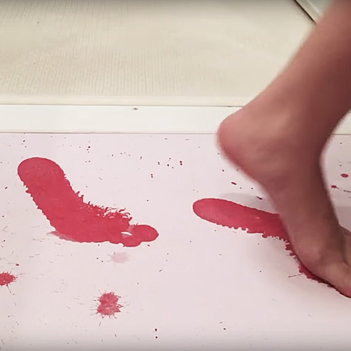 Creepy Bloody Bath Color Changing Bath Mat Thesuperboo