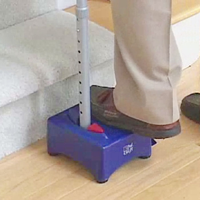 stair aid for elderly is helpful for old people
