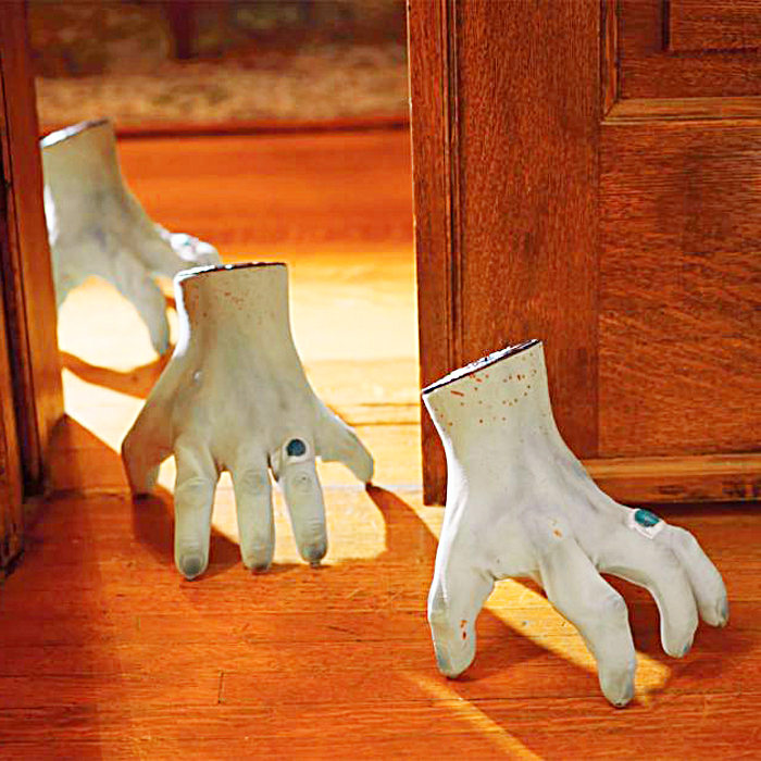This Crawling Robotic Monster Hand is the creepiest Halloween prop ever