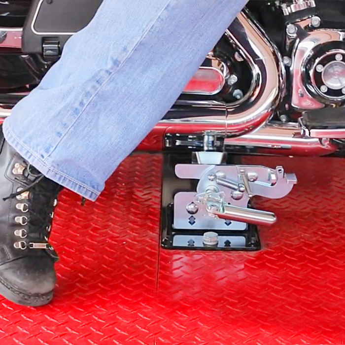 strapless motorcycle tie down system