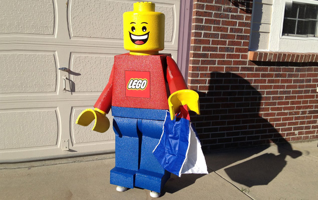 Lego Man Halloween Costume.Diy Lego Man Costume For Halloween And Cosplay Thesuperboo