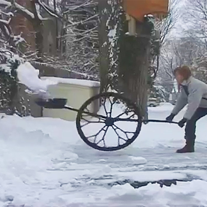 shovel with wheels