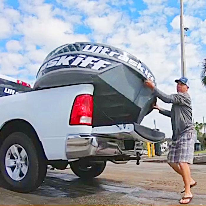 Ultraskiff 360: A Circular Personal Fishing or Hunting Boat