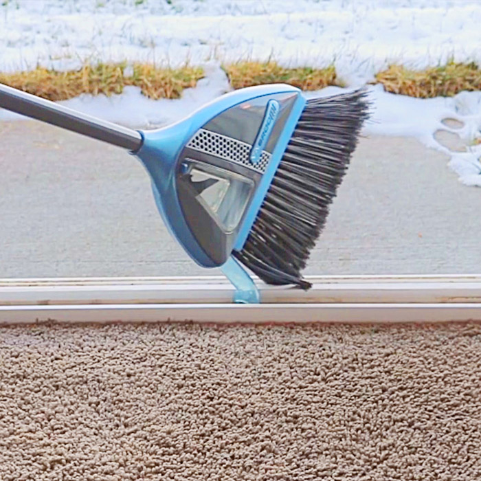 Vabroom Combines a Vacuum With a Broom