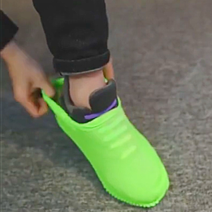 These Waterproof Silicone Shoe Covers Protect Your Shoes From Anything
