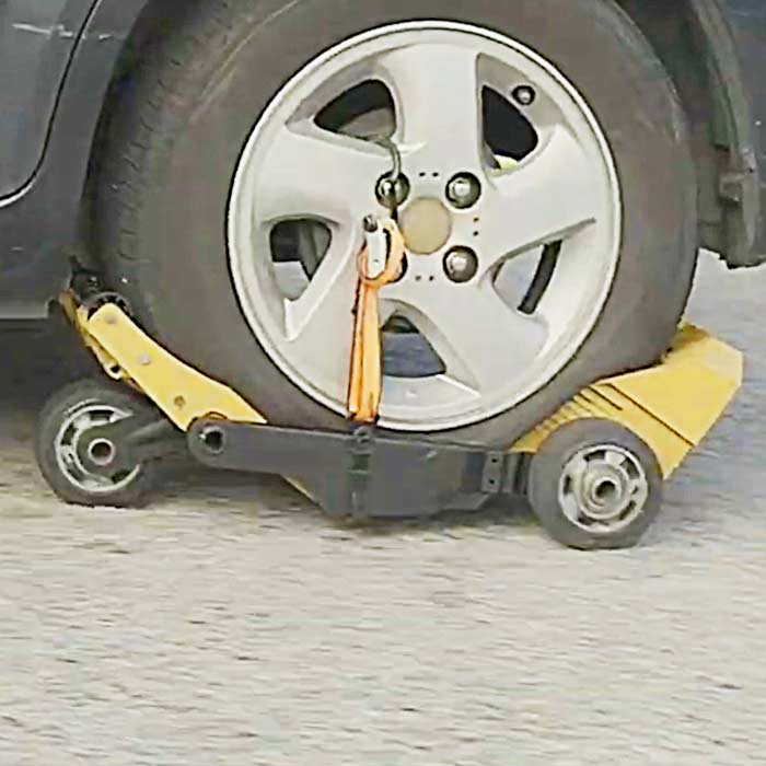 This Device Lets You Drive On a Flat Tire