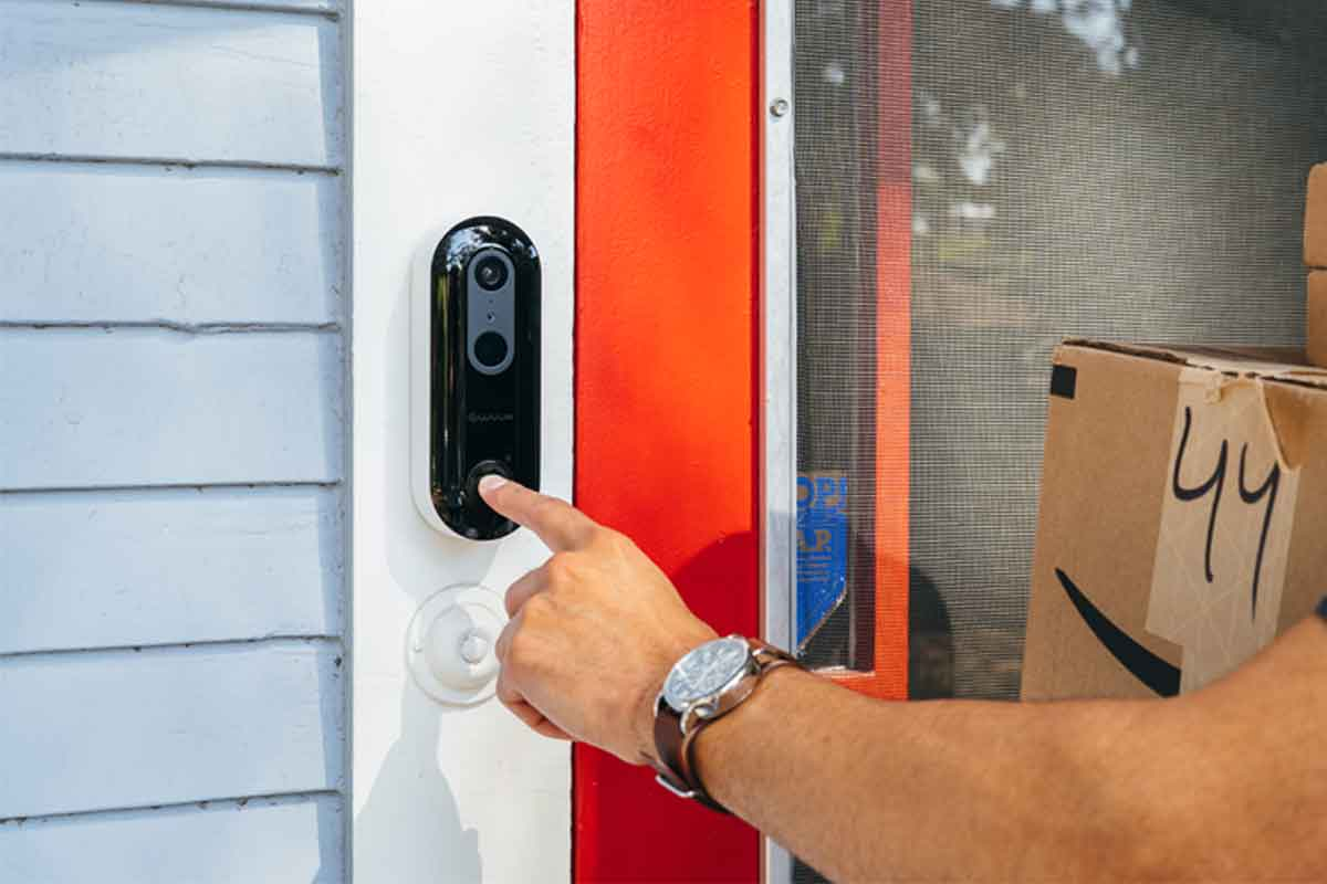 Answer Your Door From Anywhere With Smart Video Doorbell   WUUK
