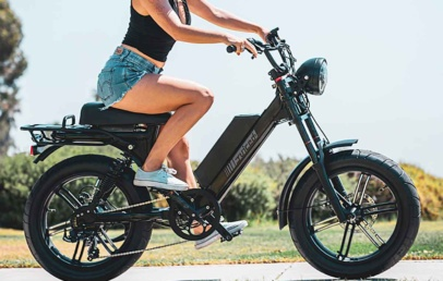 This Modern Electric bike Looks Like Retro Moped | Juiced SCORPION