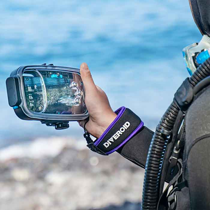 Turn Your Smart Phone Into a Diving Computer Monitor