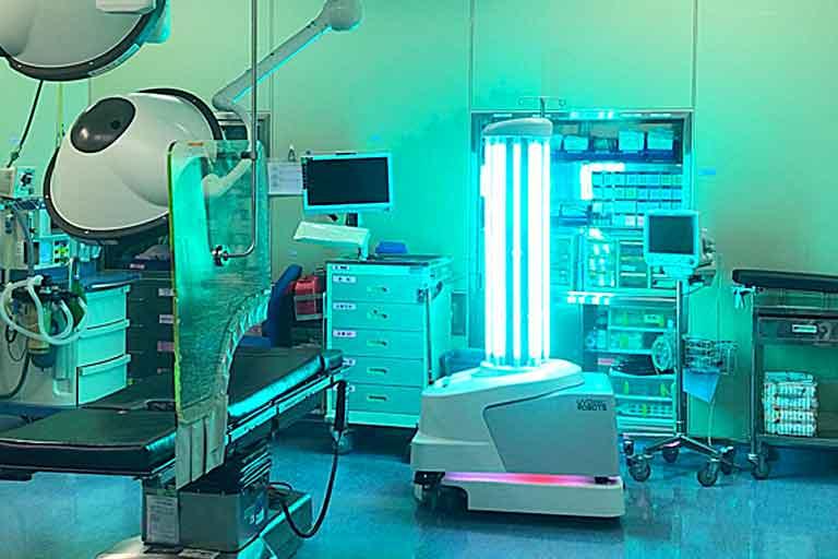 Hospitals Need UV Bacteria-Killing Robot