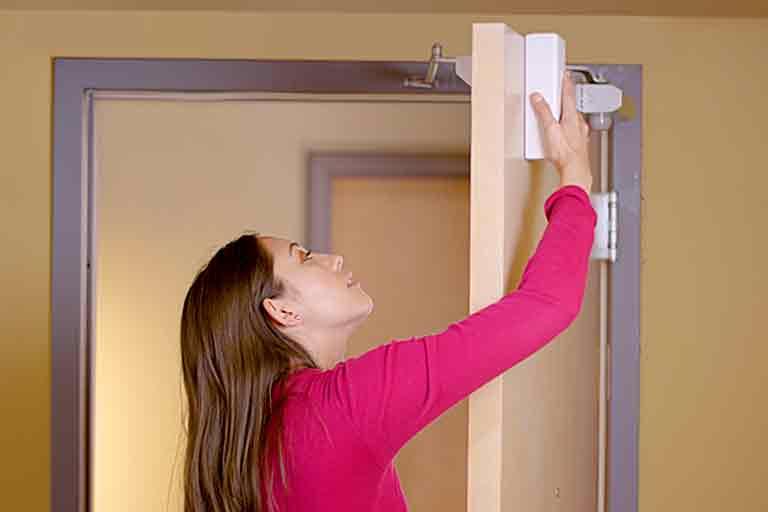 Over-The-Door Smart Security Camera