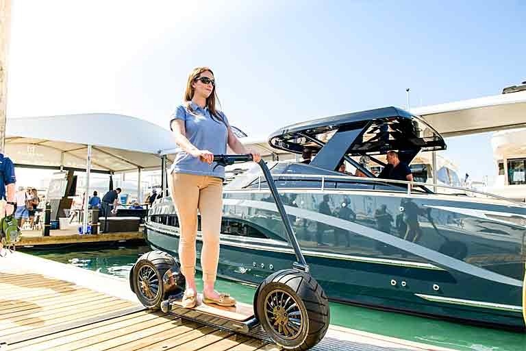 Stator Self-Balancing Electric Vehicle