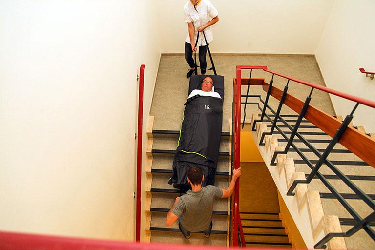 Bed Sheet Helps Evacuate Patients