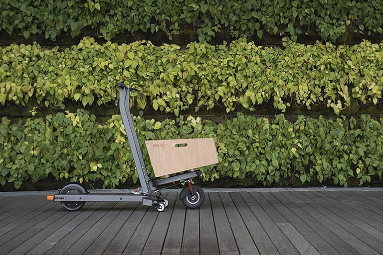 2-in-1 cargo e-scooter