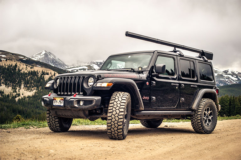 Altair | A Car Rooftop Fishing Rod Holder Keeps Your Expensive Fly Rod Protected
