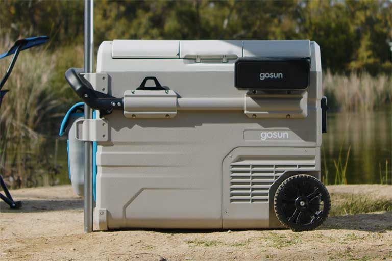 solar powered outdoor cooler